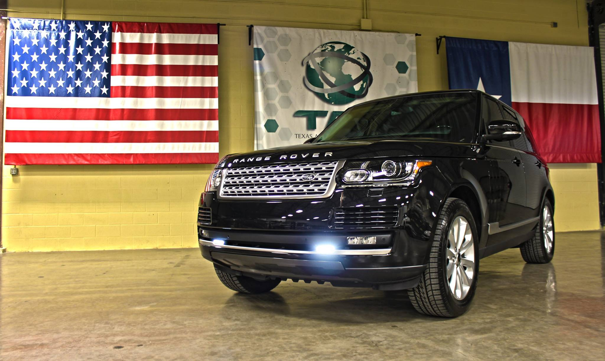 Texas_Armoring_2014_Range_Rover_Superchraged_Black